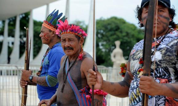 Protest brazilskih urođenika zbog zadiranja države u njihovu teritoriju 2012.