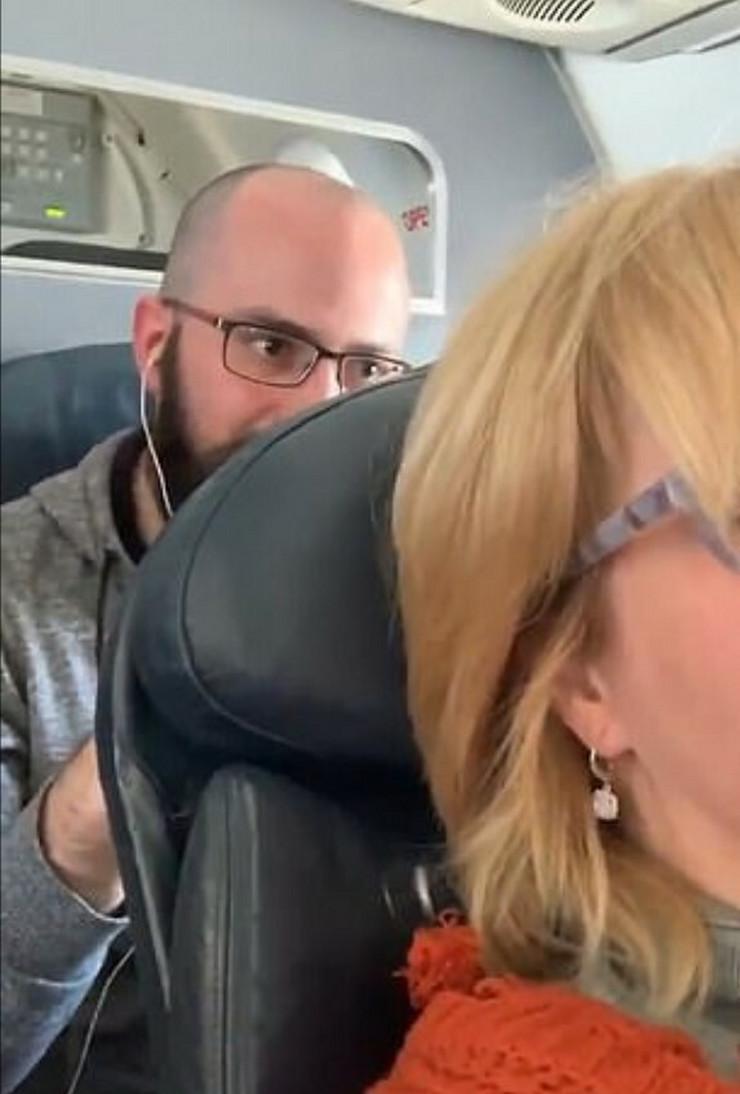 Putnik udara sedište ispred sebe