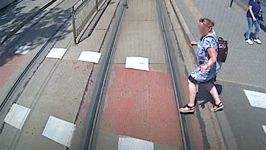 Wypadek na torach we Wrocławiu. Kobieta weszła pod tramwaj