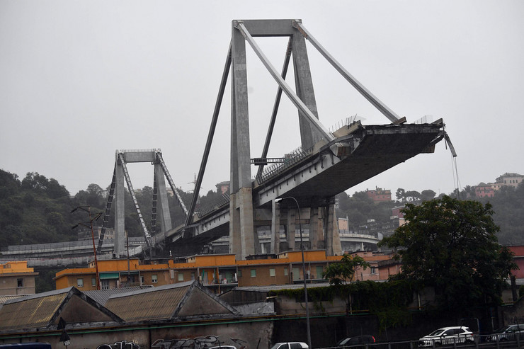 Đenova, most, EPA- LUCA ZENNARO