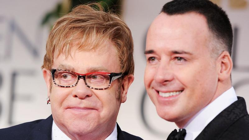 Elton John i David Furnish - rodzice Zachary'ego (fot. Getty Images)