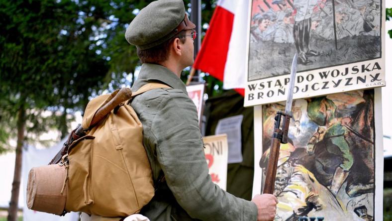 Bitwa Warszawska. Rekonstrukcja punktu poboru żołnierzy do wojska z 1920