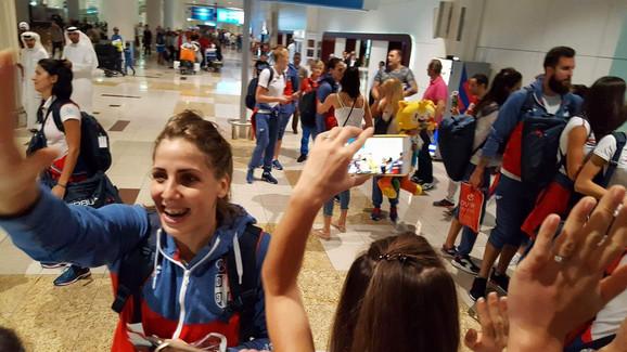 Iznenađenje za olimpijce Srbije u Dubaiju - doček koji su im priredili naši sunarodnici