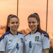Bliznakinje iz Pančeva BUDUĆNOST ŽENSKOG FUDBALA U SRBIJI! Nina i Mina Čavić - obaraju rekorde i sanjaju evropske karijere!