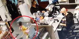 Mężczyzna z dzieckiem okradł sklep z instrumentami muzycznymi