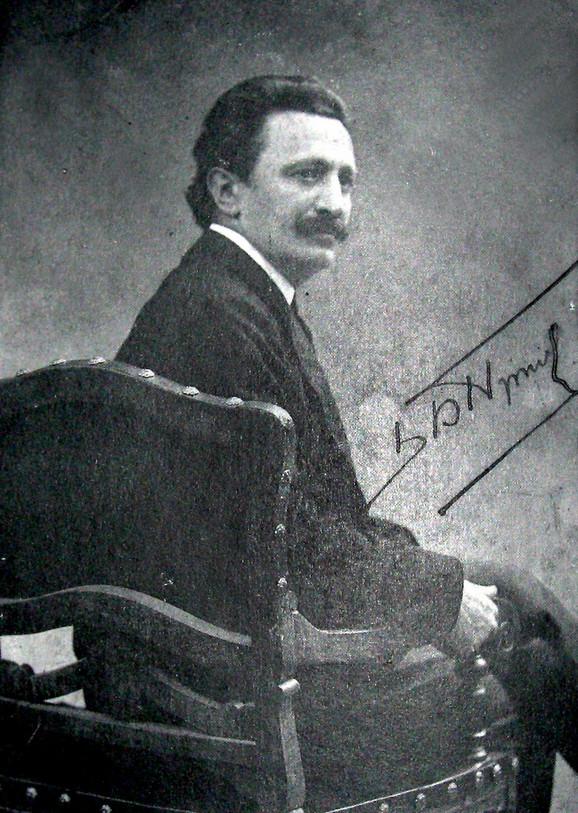 """Kum Branislav Nušić na fotografiji iz 1904. godine (Sve fotografije su iz knjige Gorana Malića """"Milan Jovanović fotograf"""")"""
