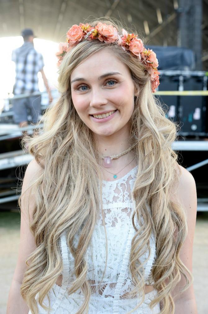 Glumica je dodala da je jako zahvalna producentima serije što su joj dopustili da ošiša kosu i nada se da će njen gest pomoći drugima.