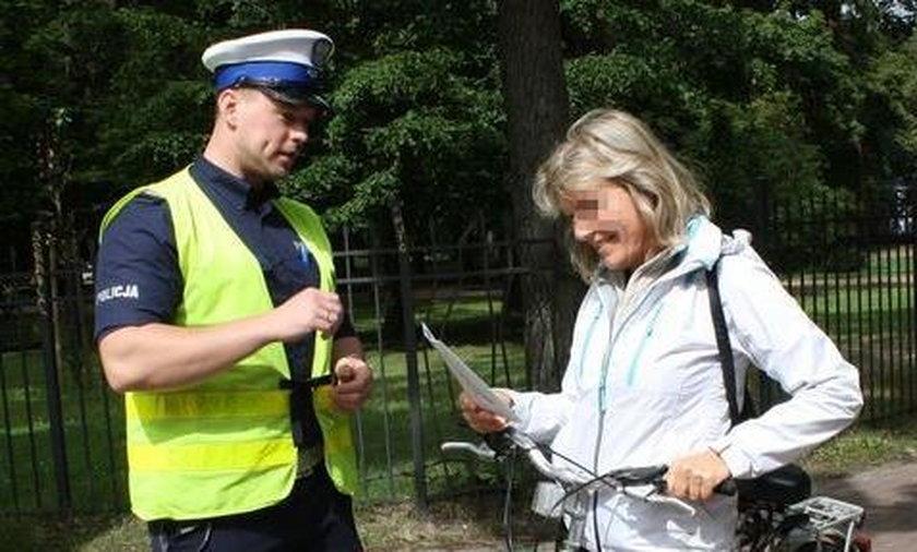 Policja kontroluje rowerzystów