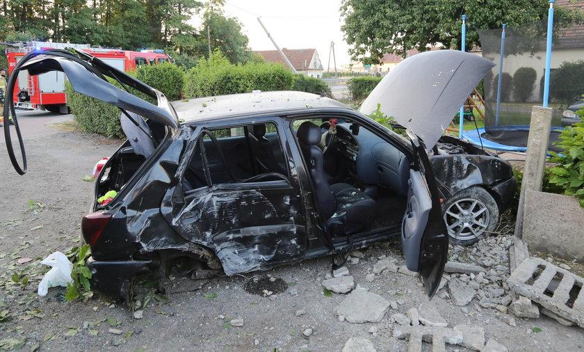 Pijany 20-latek spowodował wypadek. Dwie osoby trafiły do szpitala