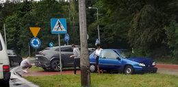 A to pech! 19-latka uszkodziła pod Warszawą auto warte fortunę