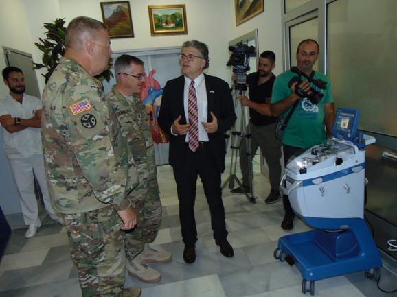 Dr Milić sa vojnim atašeom američke vojske