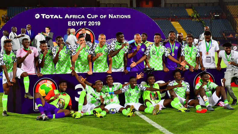 Nigerian players celebrate after winning the AFCON 2019 third place play-off