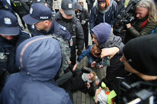Protest ekologów przeciw wycince w Puszczy Białowieskiej w Dyrekcji Generalnej Lasów Państwowych