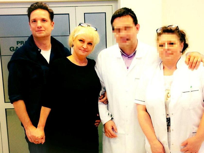 Adrianna Biedrzyńska z partnerem, Sebastianem w szpitalu