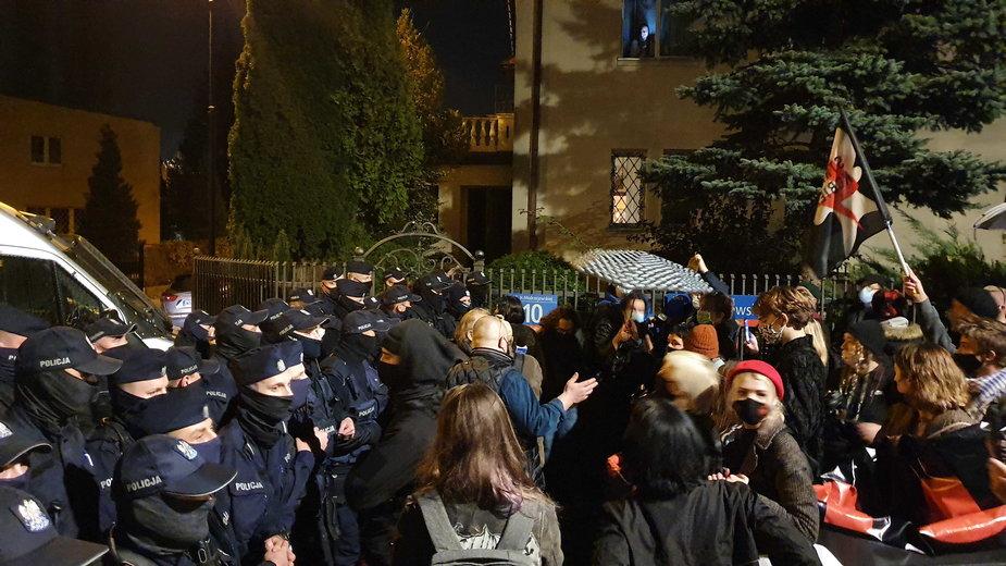 Policja użyła gazu w stronę protestujących