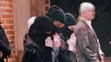 Przebrały się za muzułmanki i poszły na mszę. Kościół oburzony
