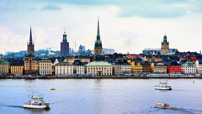 Rządząca Szwecją od 2006 r. koalicja zafundowała obywatelom od początku kryzysu pięć obniżek podatków. Ostatnia wejdzie w życie wraz z początkiem przyszłego roku. Mogłoby się wydawać, że to nietypowe działanie w czasach, kiedy wszyscy ordynują zaciskanie pasa, a kilka europejskich krajów musi być podtrzymywane na finansowej kroplówce.