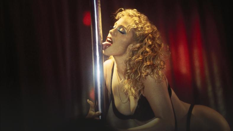 seks w filmach samochodowych