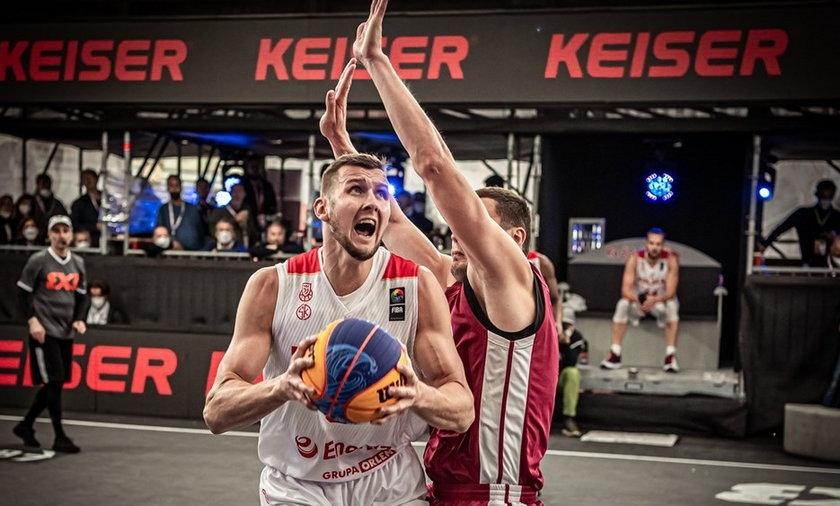 Polscy koszykarze 3x3 zaczynają walkę o medale już w sobotę. na początek zmierzą się z drużyną Łotwy.