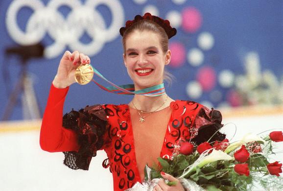 Katarina Vit je 1992, poput hiljade drugih bivših građana NDR, zatražila od nemačke vlade da vidi dosije