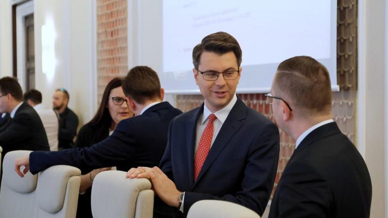 Piotr Mueller przed posiedzeniem rządu