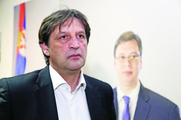 Premijer Vučič je više puta ponovio da mu je Bratislav Gašić jedan od najvernijih prijatelja i saradnika koji bi mogao da se vrati na javnu scenu za godinu ili dve