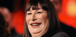 Anjelica Huston (61 l.) Co się stało z jej twarzą?!