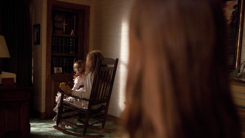 """Reżyser James Wan próbuje nabrać widzów na """"Obecność"""" – kolejną historię o nawiedzonym domu"""