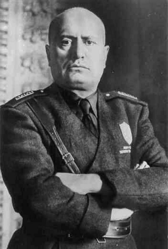 Portret: Benito Musolini