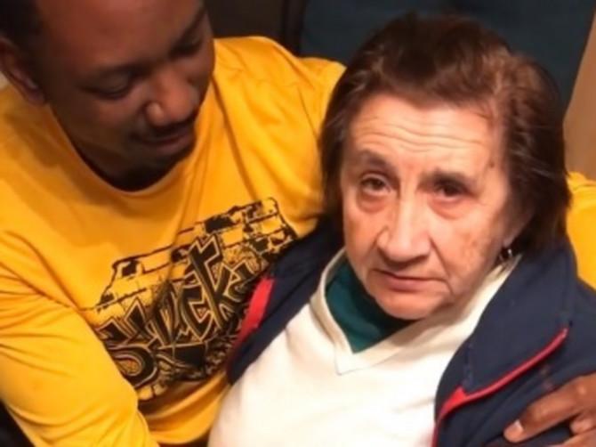 "Ivanina baka je prvi put videla zeta AFROAMERIKANCA i video je postao HIT u regionu: ""On je meni zet? Šta je tebi"""