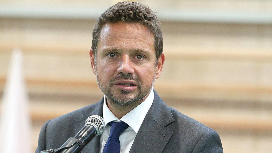 Rafał Trzaskowski skrytykował decyzje rządu o punktach szczepień masowych