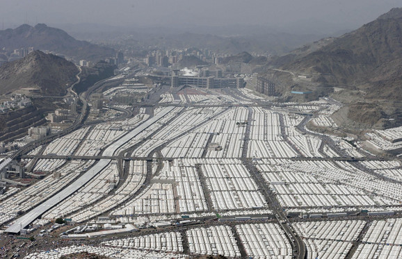 Hiljade šatora zvrji prazno u Saudijskoj Arabiji