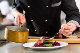 'Obniżka VAT dla gastronomii pozytywnie wpłynie na branżę' Projekt ma już rekomendację resortu