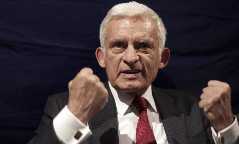 Jerzy Buzek krytycznie o reformie PiS