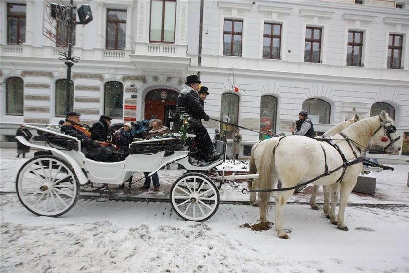 Prezydent Kropiwnicki: Zamknął urząd i pojechał bryczką