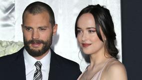 """Dakota Johnson o krok od wpadki na premierze filmu. Niesforna kreacja gwiazdy """"Ciemniejszej strony Greya"""""""