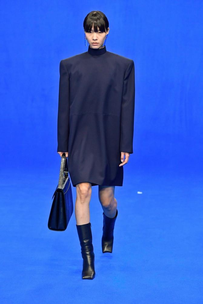 """Sporni model obuće iz nove kolekcije modne kuće """"Balenciaga"""""""