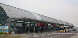 Awaryjne lądowanie samolotu w Modlinie. Zgłaszano problemy z podwoziem