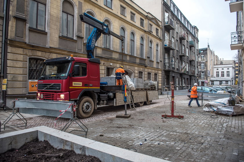 Przebudowa Piramowicza się przedłuża. Łodzianie mają zastrzeżenia