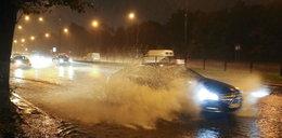 Najwyższe alerty IMGW. Synoptycy ostrzegają przed burzami z gradem oraz podtopieniami