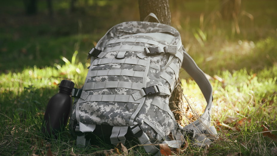 Plecak w militarnym stylu