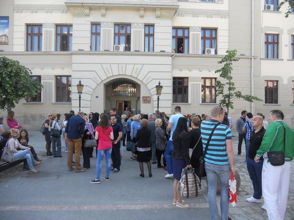Profesori čačanskih srednjih škola protestvovali u maju
