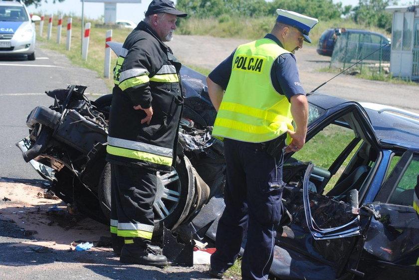 Policjanci ustalają szczegóły zderzenia