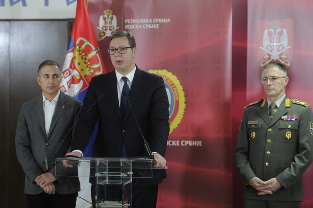 Nebojša Stefanović, Aleksandar Vučić i general Milan Mojsilović