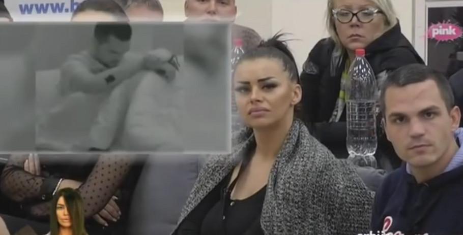 Zerina i Bane gledaju snimak lažnih suza