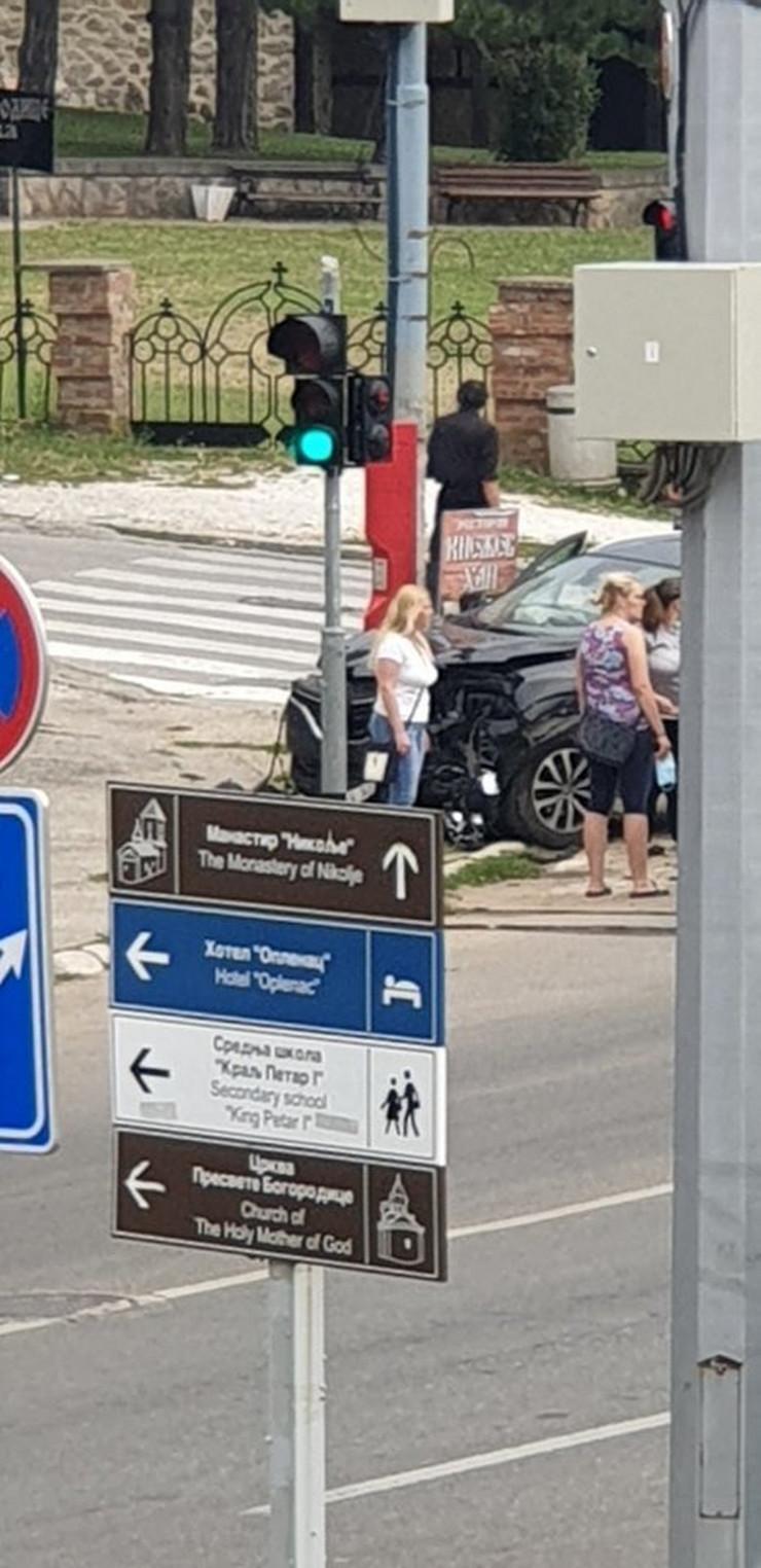 Udes, Topola, Bulevar vožda Karađorđa