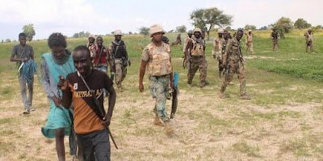 Troops arrest fleeing Niger bandit en route to Oyo with military kits |  Latest News Updates & Newspaper Headlines | Pulse Nigeria