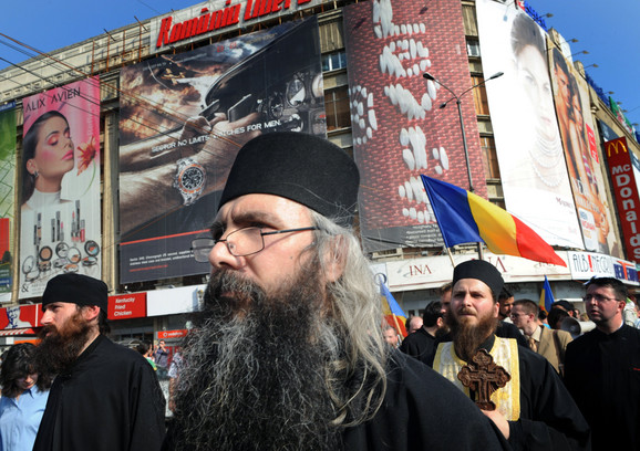 Pravoslavno sveštenstvo u Evropu podeljeno po pitanju homoseksualnosti: Protest protiv gej parade u Rumuniji