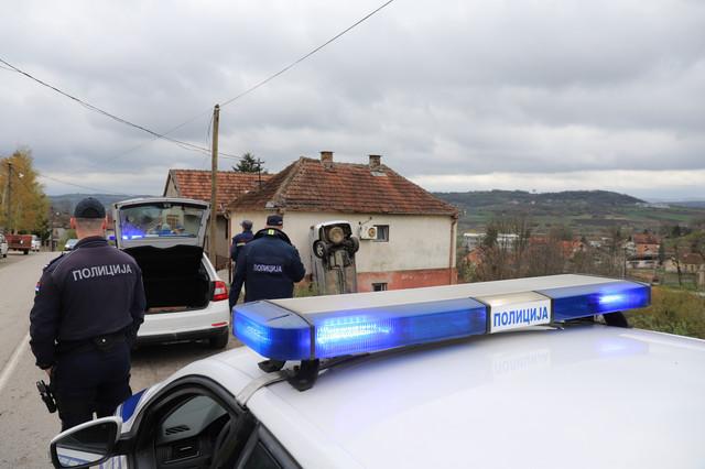 Na mesto nesreće izašli su i policija i hitna pomoć