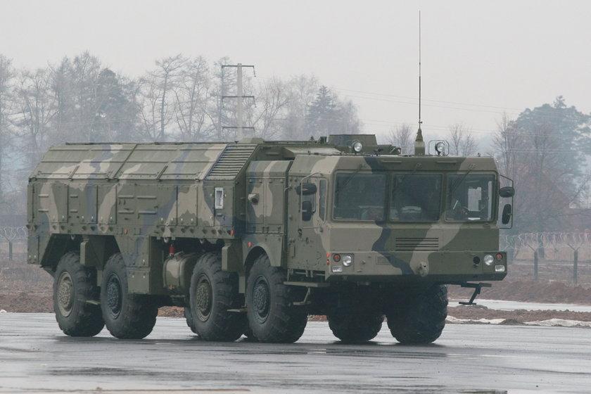 Rosja gromadzi wojsko i rakiety